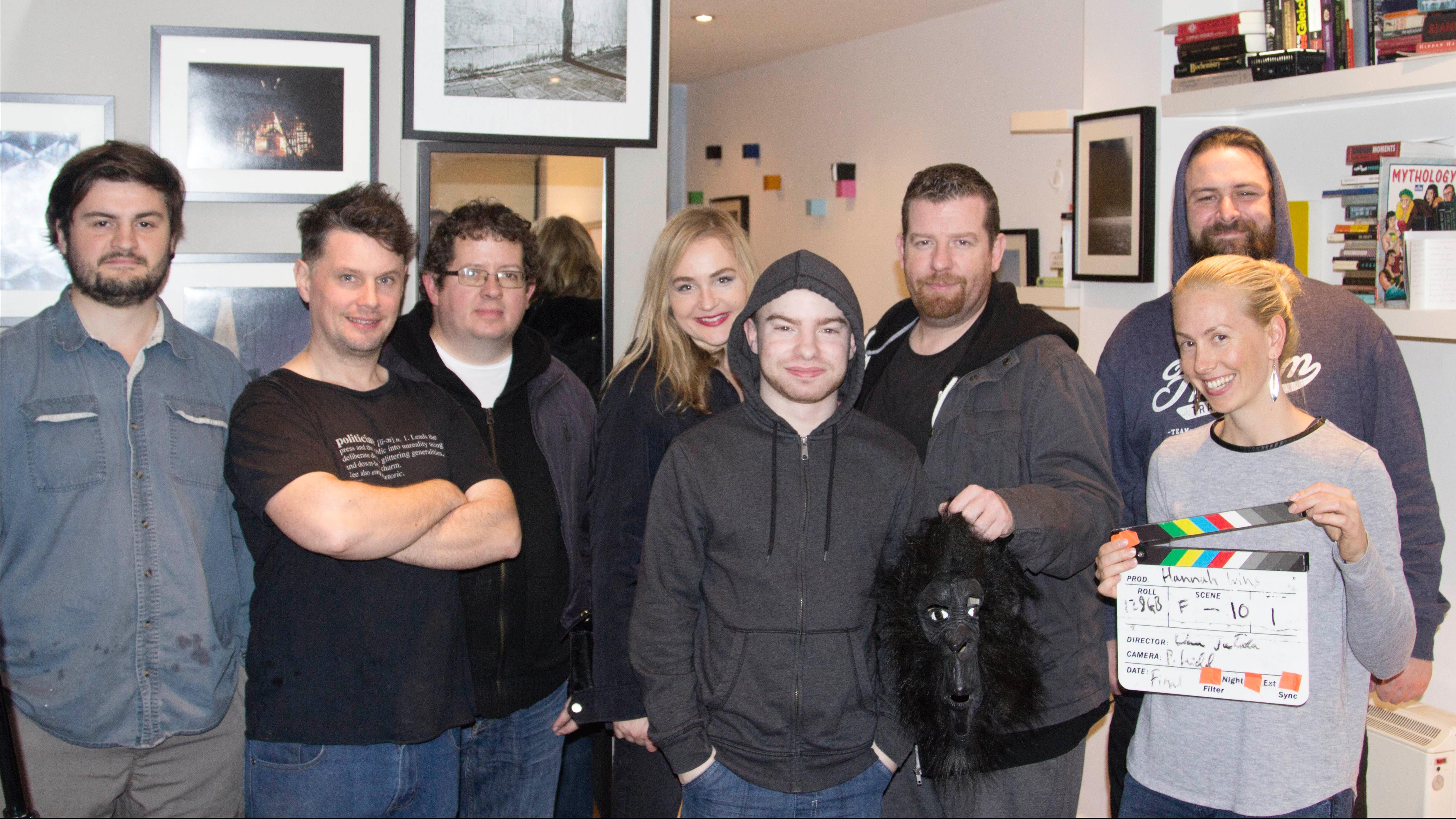 Hanna Wins cast and crew 2